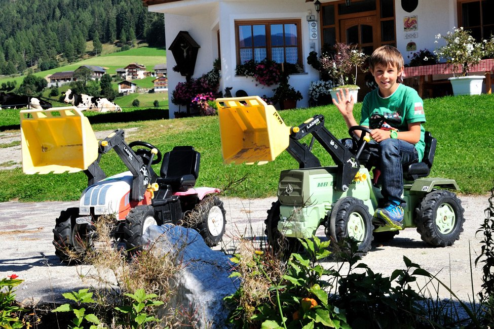 Varied farm holidays for families in the Pusteria Valley